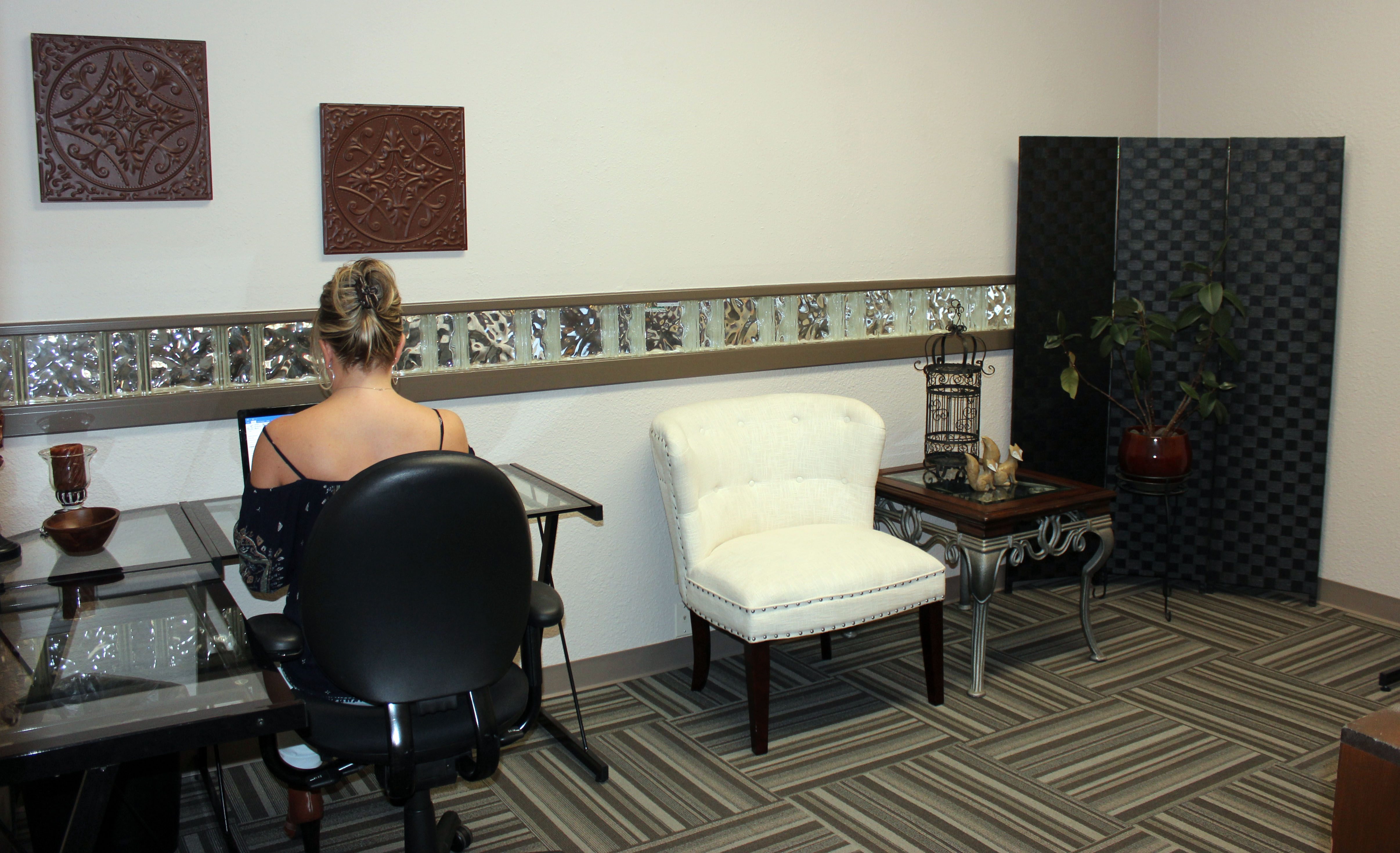 All Inclusive, Furnished, Month-to-Month Private Office 1617 Park Place Avenue